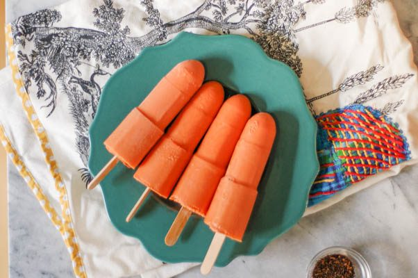Thai Iced Tea Popsicles. Creamy black tea ice pops with a hint of vanilla and spice. From Blossom to Stem | Because Delicious www.blossomtostem.net Gluten free, vegetarian