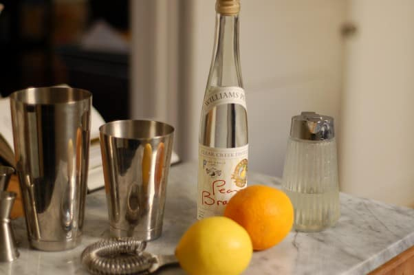 The Perfect Pear Cocktail. A lovely sipper for your autumn happy hours. From Blossom to Stem | Because Delicious www.blossomtostem.net