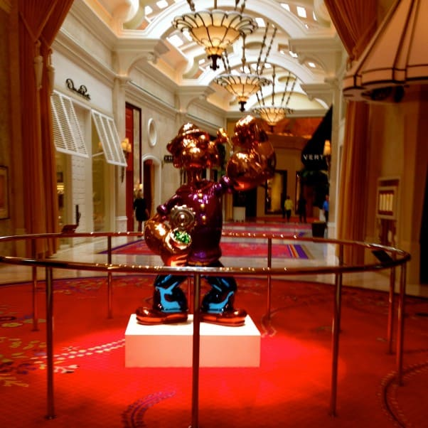 Jeff Koons Popeye at the Wynn, Las Vegas From Blossom to Stem | Because Delicious www.blossomtostem.net
