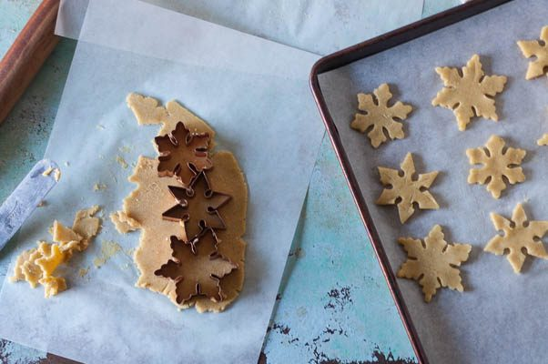 Orange Cardamom Snowflake Cookies. A citrusy spice cookie that's one of my all-time holiday favorites. From Blossom to Stem | Because Delicious | www.blossomtostem.net