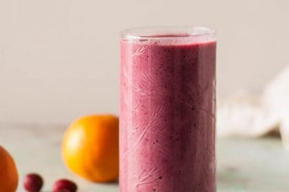 Cranberry Clementine Smoothie. A creamy jewel-toned smoothie that comes together in minutes. Vegan, gluten free, dairy free. From Blossom to Stem | Because Delicious | www.blossomtostem.net