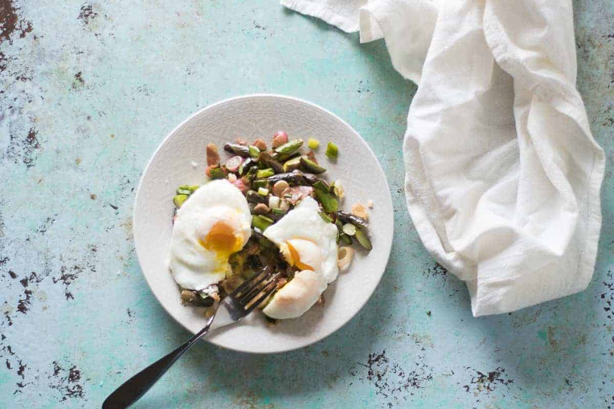 Spring Market Skillet with Asparagus, Radishes, Spring Onions and Poached Eggs. From Blossom to Stem | www.blossomtostem.net