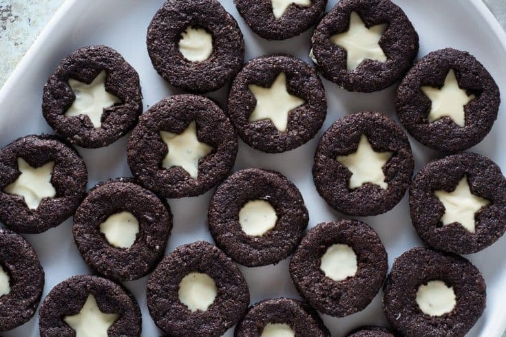 Chocolate Sandwich Cookies with Citrus Clove White Chocolate Filling